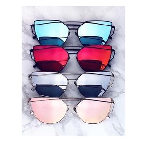 Priddy Boutique Accessories - NEW LISTING!!! GORGEOUS SUNNIES!