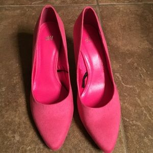 191b1ce0262 H M Shoes - Pink Suede Kitten Heels