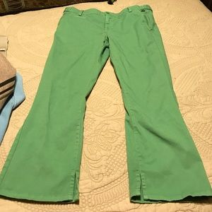 Green Buffalo cropped pants