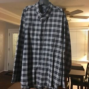 Van Heusen Other - Gently used long sleeve button down shirt.