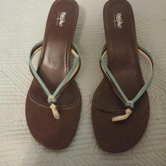 Mossimo Supply Co - ON SALE! Cream brown &amp blue kitten heel