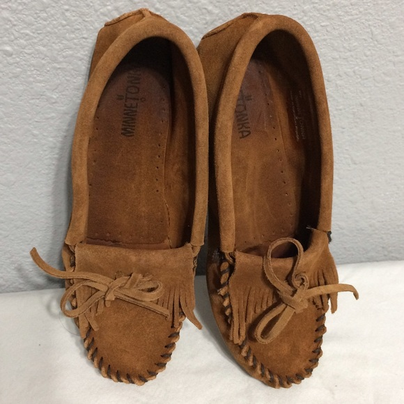 how to clean suede moccasins at home