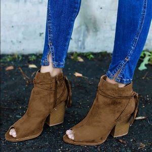 Shoes - ❗️mark down❗️Moss wrap tassel peep toe bootie