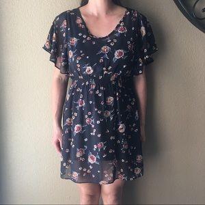 [LIKE 🆕] Mimi Chica: Black Floral Dress