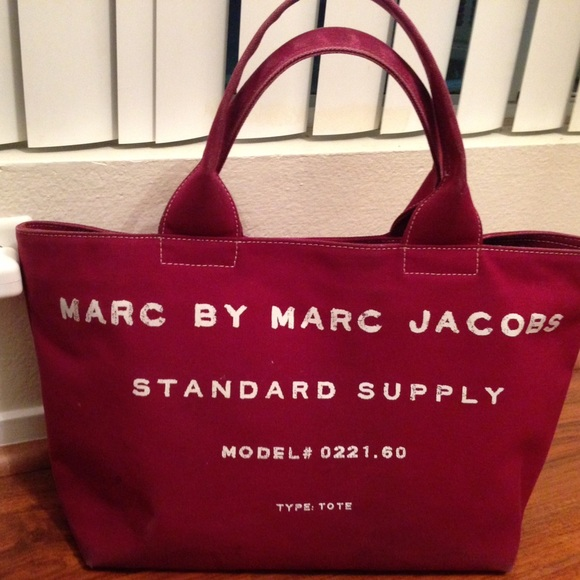 0eb1773a0ebf MARC by Marc Jacobs Standard Supply Canvas Tote. M 57fc936a2ba50aa23c0108f3