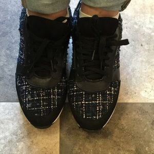 Forever21 black fashion sneakers