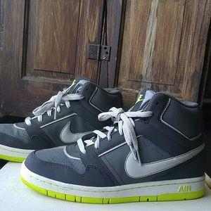 Nike Air High Top Sneaker