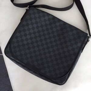 Louis Vuitton Other - Louis Vuttion unisex messenger bag