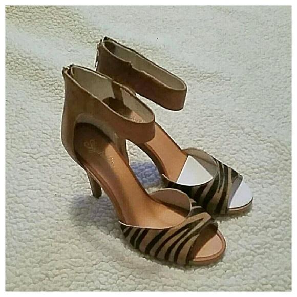 c79876e4153f Seychelles Shoes - Seychelles animal print heels