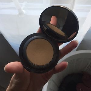 Laura Mercier foundation powder #10