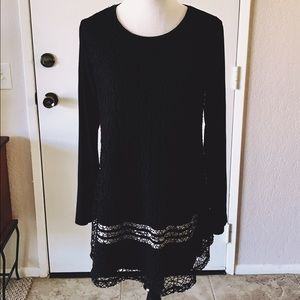 Dresses & Skirts - Tunic Dress Black with White Stripes M