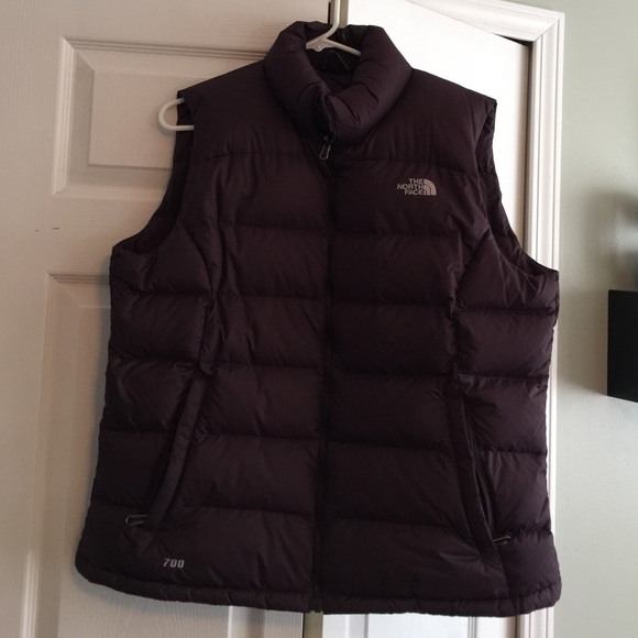 5847df13ca The North Face Jackets   Blazers - ‼️FRIDAY SALE‼ The North Face vest