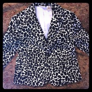 Kim Rogers Jackets & Blazers - 🛍SALE🛍 Unique Black & White Blazer