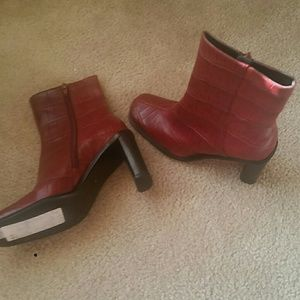 Lord & Taylor red leather boots above the ankle