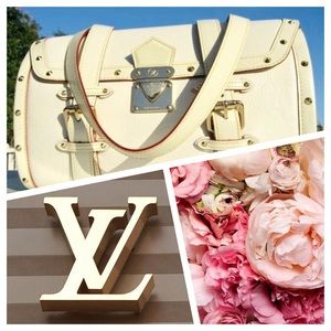 ✨LOUIS VUITTON White Suhali L'Epanoui GM Purse Bag