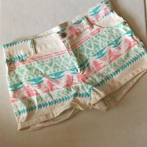 Lola Aztec Tribal Pattern Shorts New