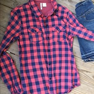 Tops - 💕ONE DAY SALE 💕Long Sleeve Plaid Button Down