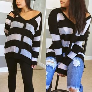 Sweaters - •SALE• Striped oversized V neck sweater