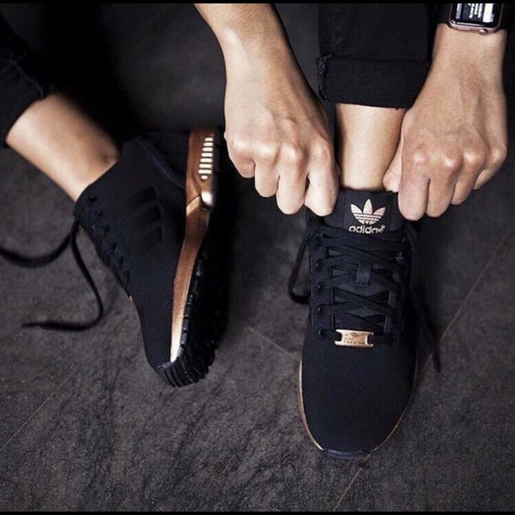 black adidas shoes women