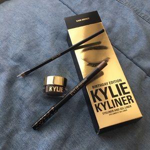 Kylie Cosmetics Other - Kylie Birthday Edition Kyliner Dark Bronze