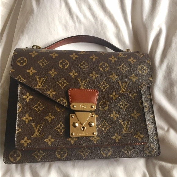 7dbaad4bef8a Louis Vuitton Handbags - LOUIS VUITTON Vintage Monogram Monceau crossbody