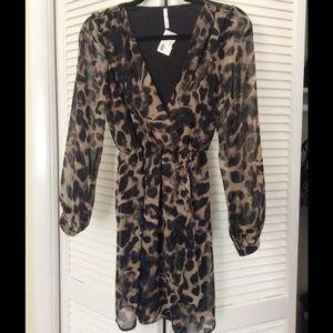 Dresses & Skirts - Leopard print dress