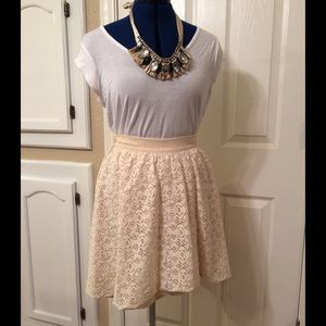 ANTHROPOLOGIE lace high-low skirt- size medium