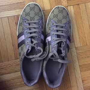Limited Edition Gucci Womens Lilac Stripe Sneakers