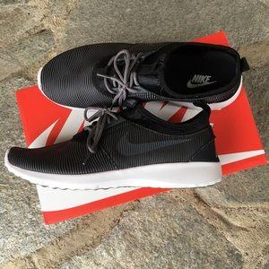 Nike Shoes - Women's Nike Juvenate SM