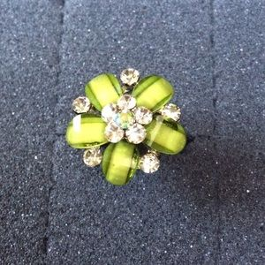 Jewelry - ✨NEW✨Cluster Flower Ring in lime 💍