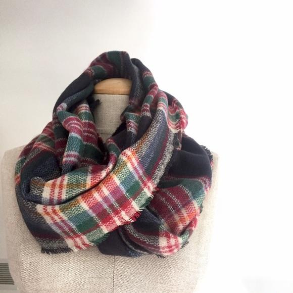 eb5f3a9f1 Zara Accessories   Plaid Infinity Blanket Scarf Infinity Raine ...
