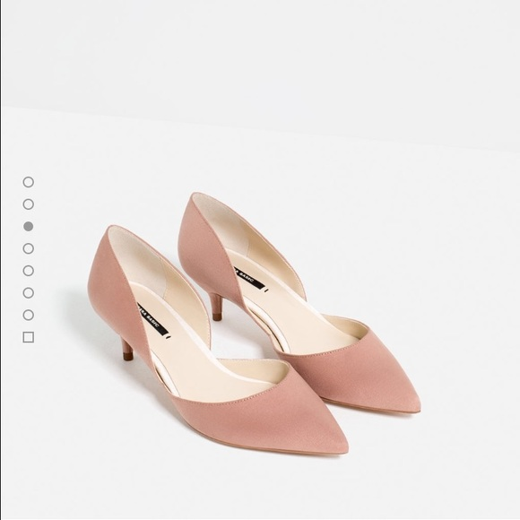 4cd48834f9236 Zara blush pink suede kitten heels. M 57fe235b13302a55e004ca8b