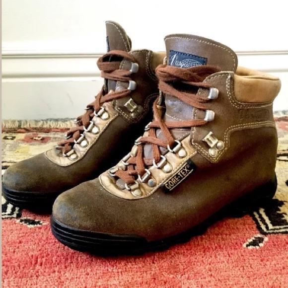 🍂SALE🍂 Vintage Vasque Hiking Boots
