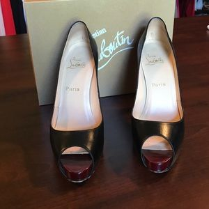 Christian Louboutin very prive leather 40.5.
