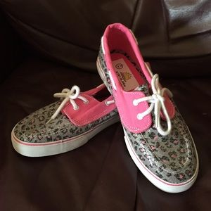 Aloha Island Shoes - NWOT Cute Sparkly Slip-ons