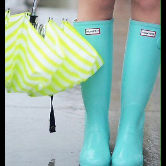 hunter boots ultra rare hunter tiffany blue mint boots us 11 from y 39 s closet on poshmark. Black Bedroom Furniture Sets. Home Design Ideas