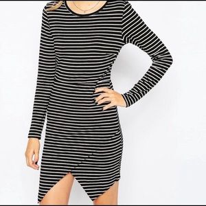 Black/Gold Striped Dress Long Sleeves Crewneck