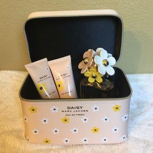 MBMJ makeup/toiletry case