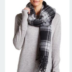 Steve Madden Accessories - Price Drop!❤️Steve Madden Blanket Scarf
