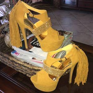 Shoedazzle Shoes - Stunning Yellow Heels!
