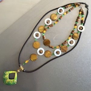 Jewelry - Earth tone necklace lot
