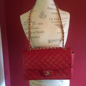 Authentic  classic CHANEL hand bag.