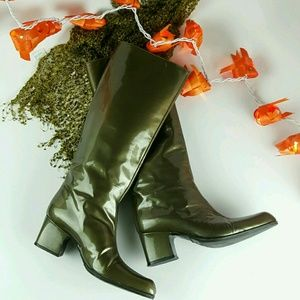 """Kermit had it comin'!""fall boots!!"