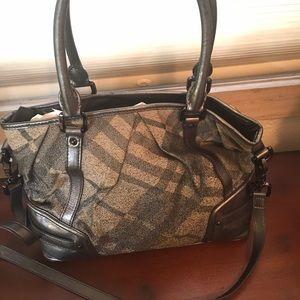 Burberry Handbags - 3 HOUR SALE AUTHENTIC Burberry Super Nova Check