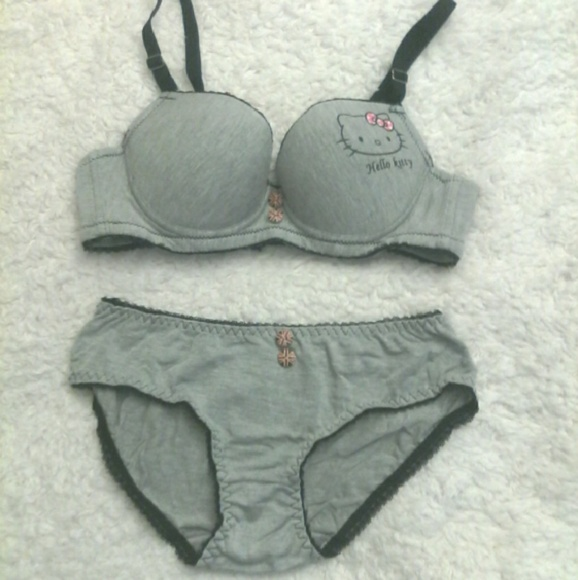 8f0795884a Holiday sale!!! Cute bra and panty set.