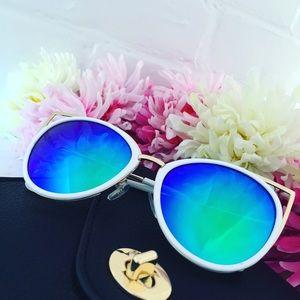 "Erica Rose Accessories - 🆑 ""Mindy"" Sunglasses    White & Green Cat Eye"