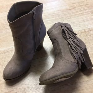 Shoes - SALE Ladies suede ankle boots with side fringe