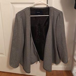 Black and white striped 3/4 sleeve jacket size 20