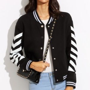 Black Chevron Print Striped Trim Jacket.Price firm