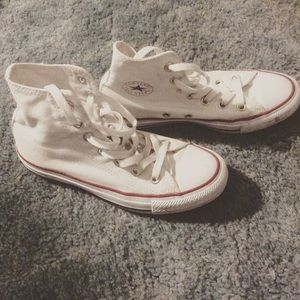 Converse Shoes - Converse white high tops